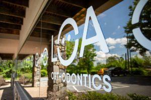 LOA Orthodontics Fruitville exterior